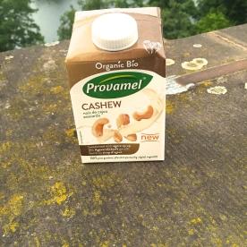 Provamel Bio Cashewdrink Eine sojafreie Nussmilch mit etwas Agavendicksaft gesüßt. Kenne ich schon und finde sie sehr lecker, allerdings etwas teuer mit 2,29€ für 500ml