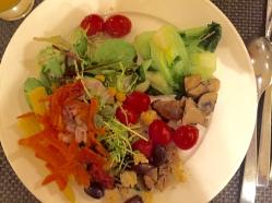 Auch Salate und Herzhaftes gab es mehr als genug.