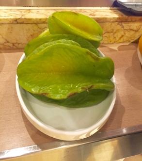 Die Sternfrucht ist vom Geschmack nicht die Intensivste, dafür ideal zum Frühstück auf Grund des hohen Wassergehalts.