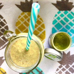 Kokos-Matcha-Smoothie (vegan)