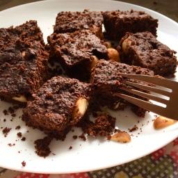 Macadamia brownies – vegan