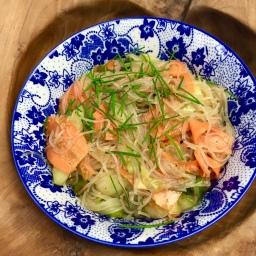 Spicy rice noodle salad –  vegan